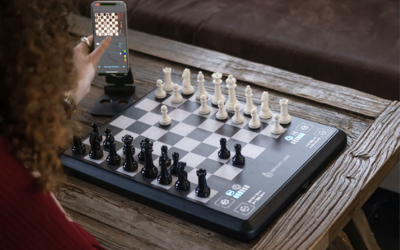 ChessUp –Level Up Your Chess GameAn incredible, connected chess board